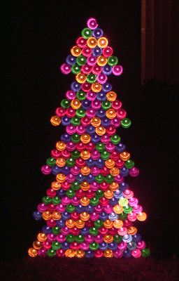 Recycled aluminum can christmas tree aluminum can for Aluminum can decorations
