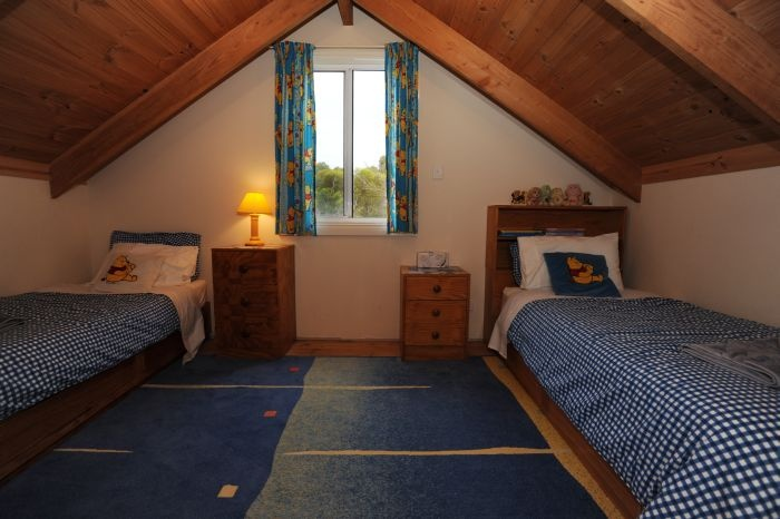 Cool Upstairs Kids Bedroom | Kangaroo Island Cottages | Pinterest Design Inspirations