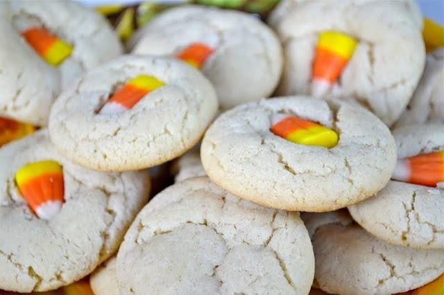 Cinnamon Sugar Cookies with Caramel Corn