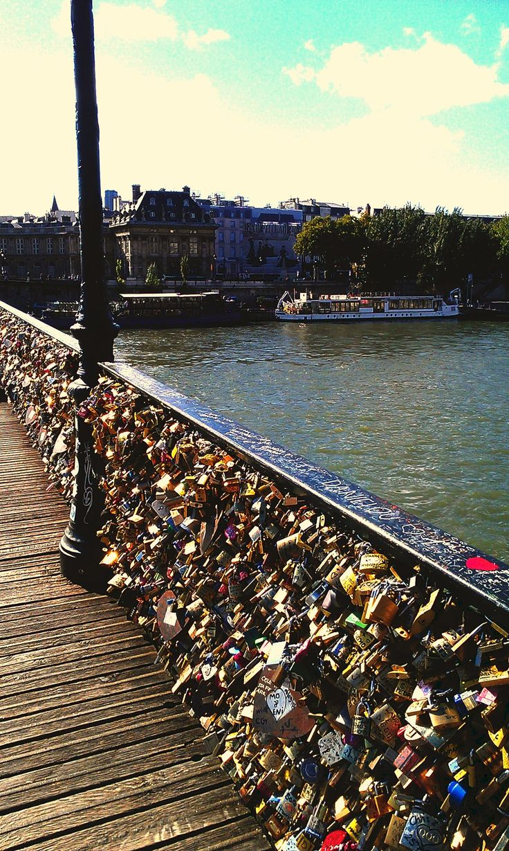 The love lock bridge in paris france places i want to for Locks on the bridge in paris