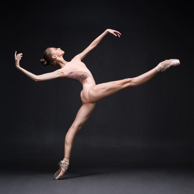 Танец Обнаженных Тел