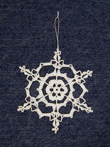Free Irish Crochet Snowflake Pattern : Irish Hearts Snowflake - free pattern crochet Pinterest