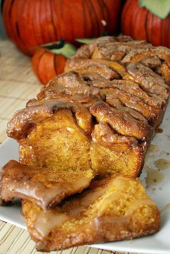 thanksgiving morning: pull-apart cinnamon sugar pumpkin bread. looks to die for