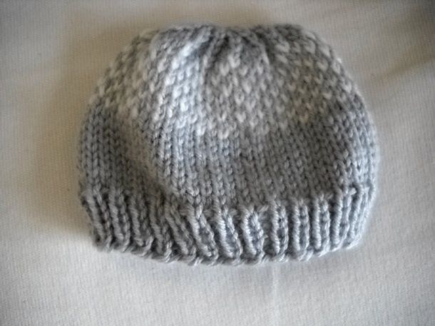 Free Knitting Patterns For Baby Hats On Pinterest : FREE Pattern: Knit Newborn Hat knitting Pinterest