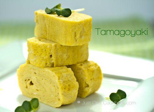 Tamagoyaki (Japanese Rolled Omelette) 玉子焼き