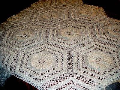 Crochet Patterns Queen Size Bed : Water Lily - A 1914 bedspread crochet pattern pattern. Each 12 6 ...
