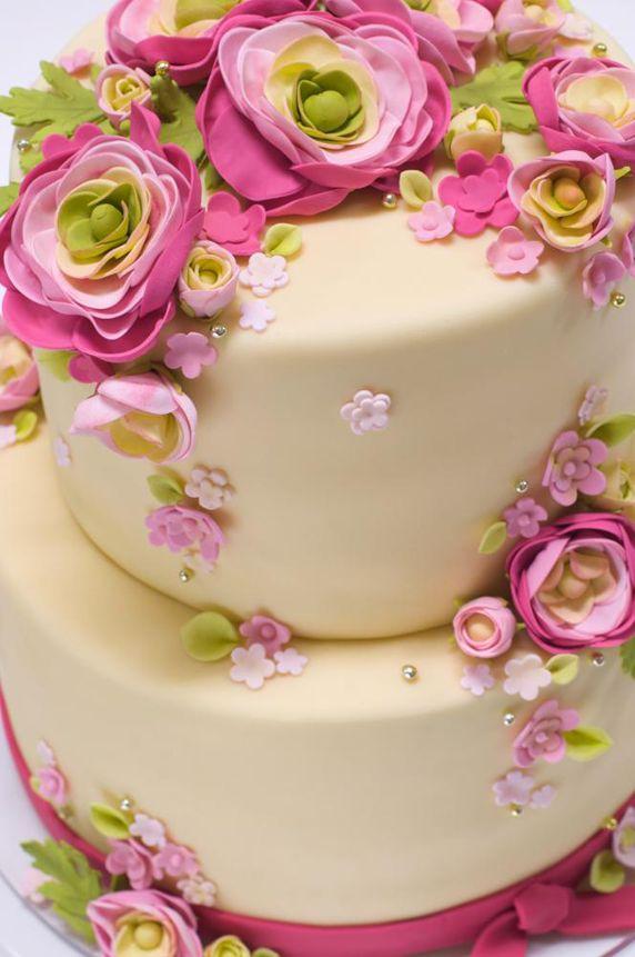 Pretty Spring Flowers Cake decorating ideas Pinterest