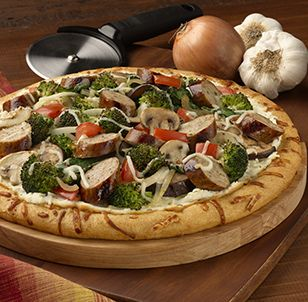 ... fresco® Farmhouse Rustica Pizza With Roasted Garlic Chicken Sausage