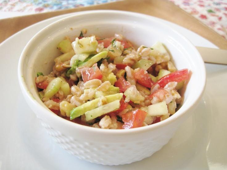 Farro Summer Salad | Whip It Up Vegan | Pinterest
