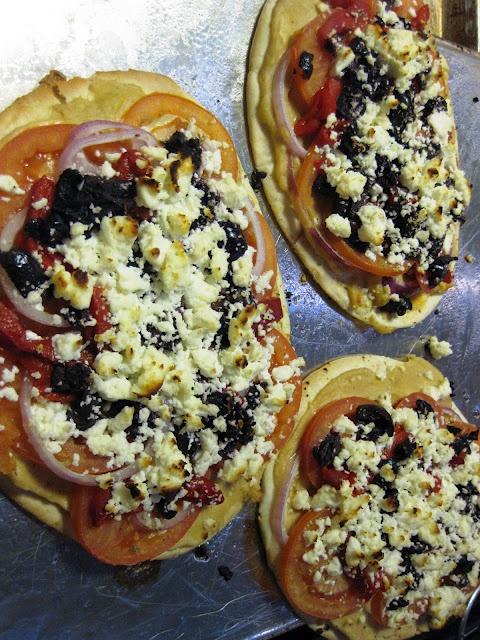 greek pita pizza | Pizza on the Grill | Pinterest