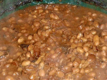 "Crock Pot Baked Beans on http://www.stacymakescents.com ""No tomato ..."