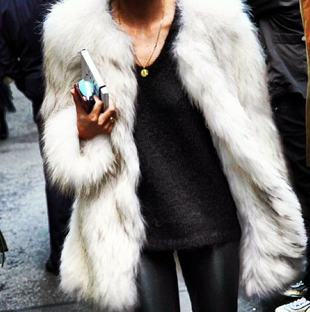 Glamorous White Fur Coat -- #trending #look #outfit #glam #fashion #fur #winter #Fall #style #comfort #glamorous #trend #beautiful #autumn
