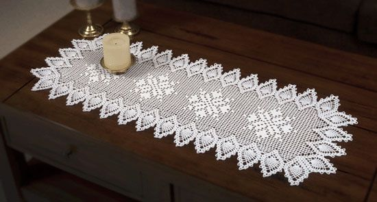 Free Crochet Pattern For Snowflake Table Runner : Pineapple Snowflake Runner Crochet Pinterest