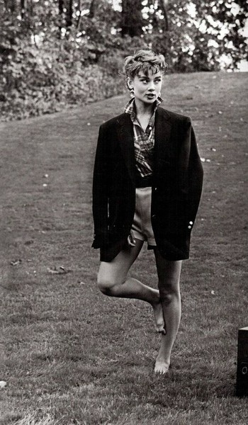 bare feet on the grass audrey hepburn our couture. Black Bedroom Furniture Sets. Home Design Ideas