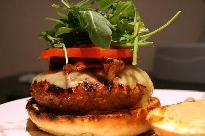 ultimate sriracha burger | DinDin | Pinterest