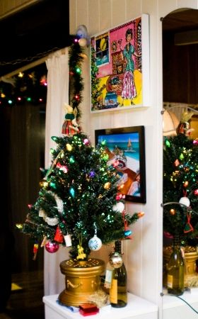 Holiday decorating ideas for a small apartment - Christmas decorations small apartments ...
