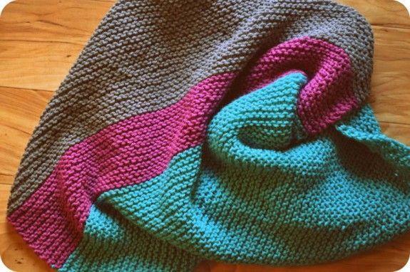Knitting Patterns For Beginners Blanket : Easy striped knitted baby blanket knitting! Pinterest