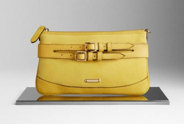 Pochette gialla Burberry | One Bag , One Clutch  One Love | Pinter