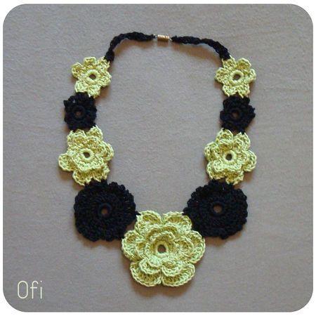 Collier fleurs anis et noir au crochet crochet ofi zoli - Bijoux au crochet modele gratuit ...