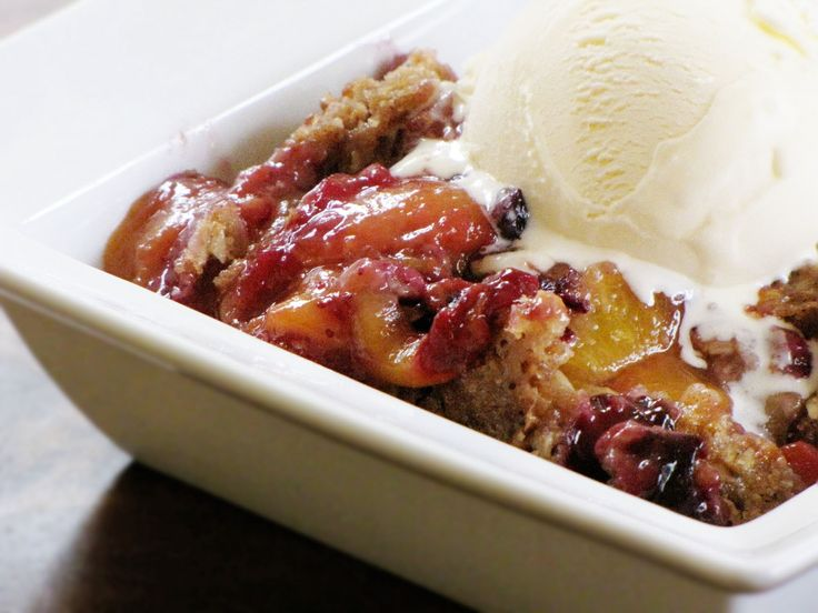peach blueberry crumble | Sweet Anna's. Made it 3 times.