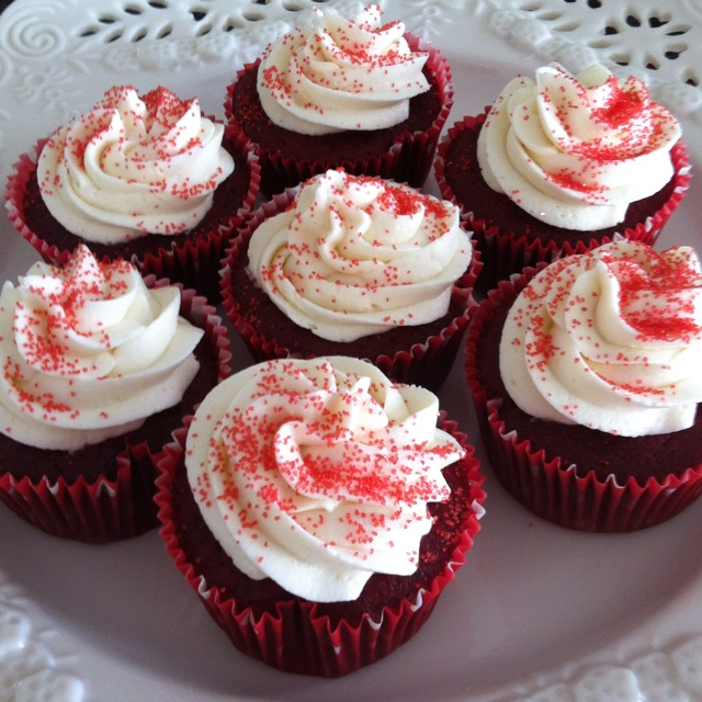 Red velvet cupcakes for Leslies birthday | Recipes | Pinterest