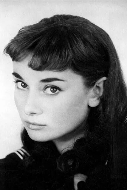 Pinned by Lerete  Audrey Hepburn Hair Down