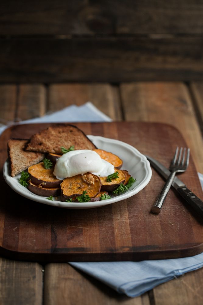 Roasted Garlic Sweet Potatoes with a Poached Egg.. that look. Really ...