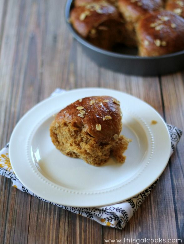 Oatmeal Molasses Rolls from www.thisgalcooks.com #bread #sides #dinner