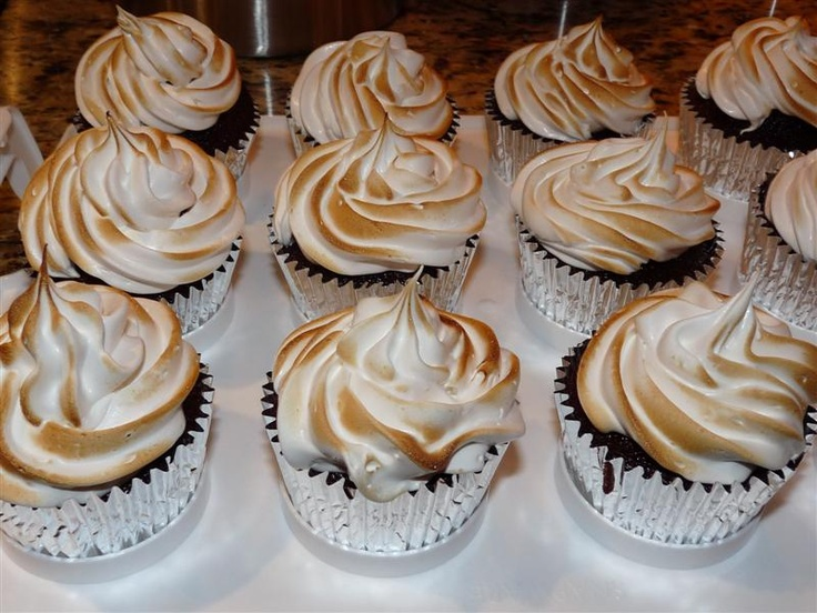 Trophy cupcake's chocolate graham cracker cupcakes with toasted ...