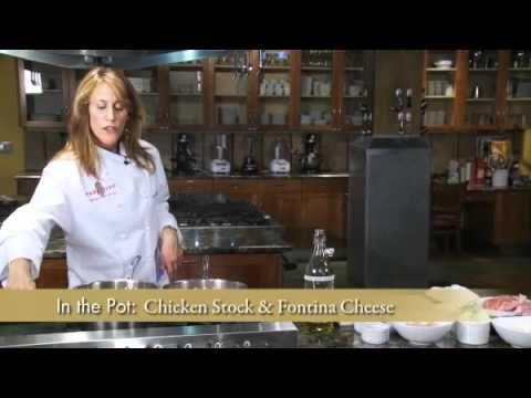 Watch and learn how to make Atkins-friendly stuffed pork chops from Chef Lynn Rinaldi.
