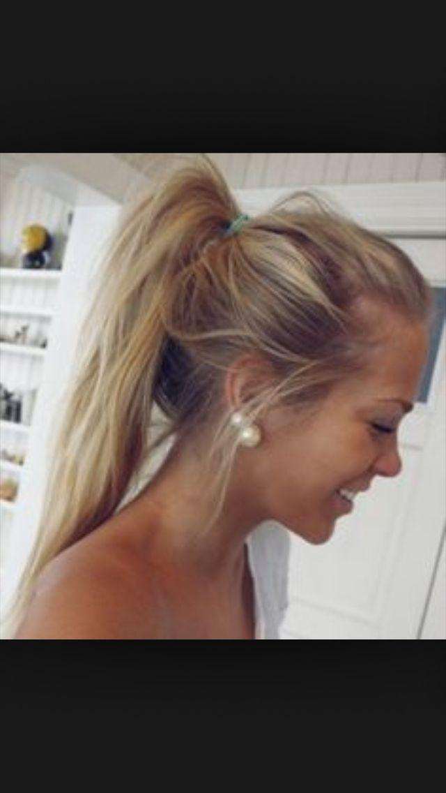 Blonde Hair And Tan Skin Teenage Lesbians