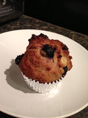 cassie cakes: Jillian Michael's Banana Blueberry Muffins