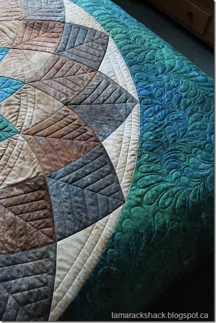 Giant Dahlia Quilt Images : Nice quilting on a giant dahlia Quilting ideas and photos Pintere?