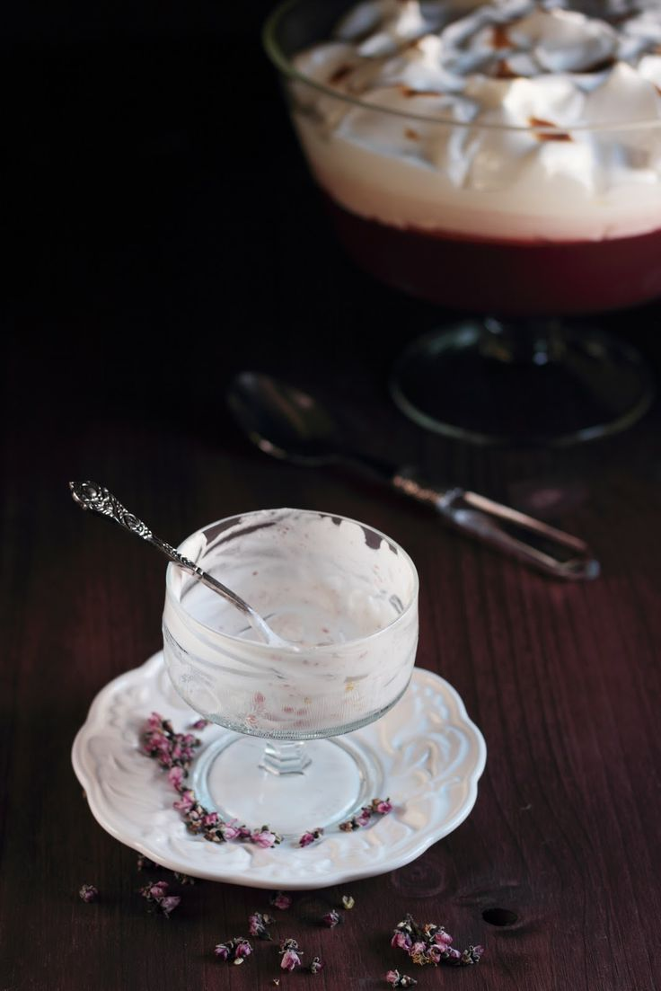 Mulled wine jelly with toasted meringue | My recipes | Pinterest