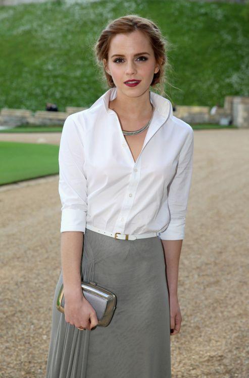 wardrobe inspiration: white collared shirt, grey skirt, white belt, silver clutch, black (dark plum?) nails.
