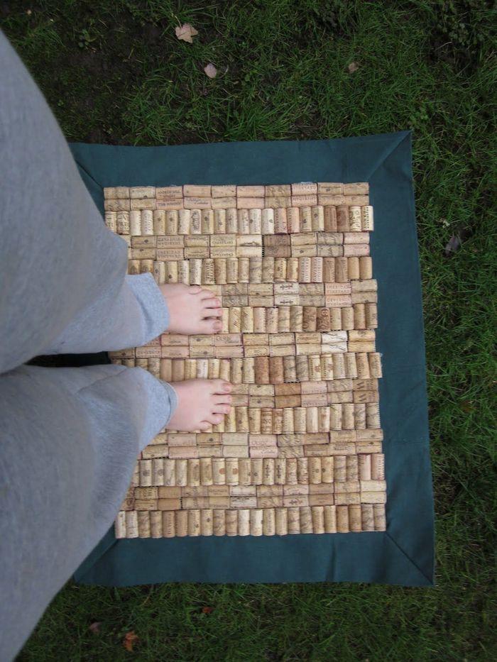 Поделка из пластиковых крышек фото