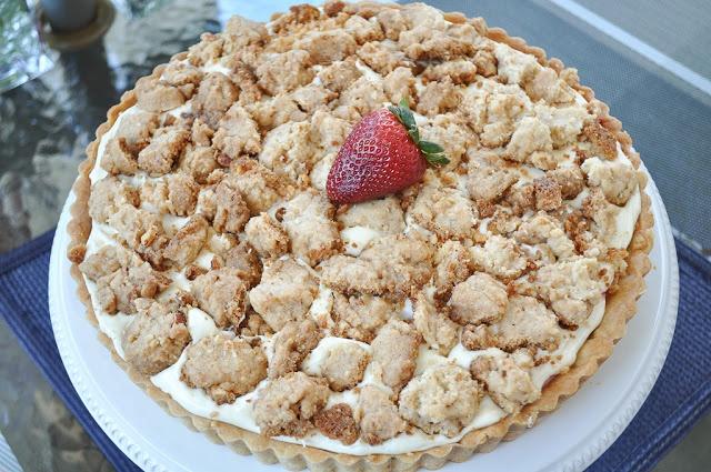 strawberry cream cheese crumble tart   yummy recipes   Pinterest