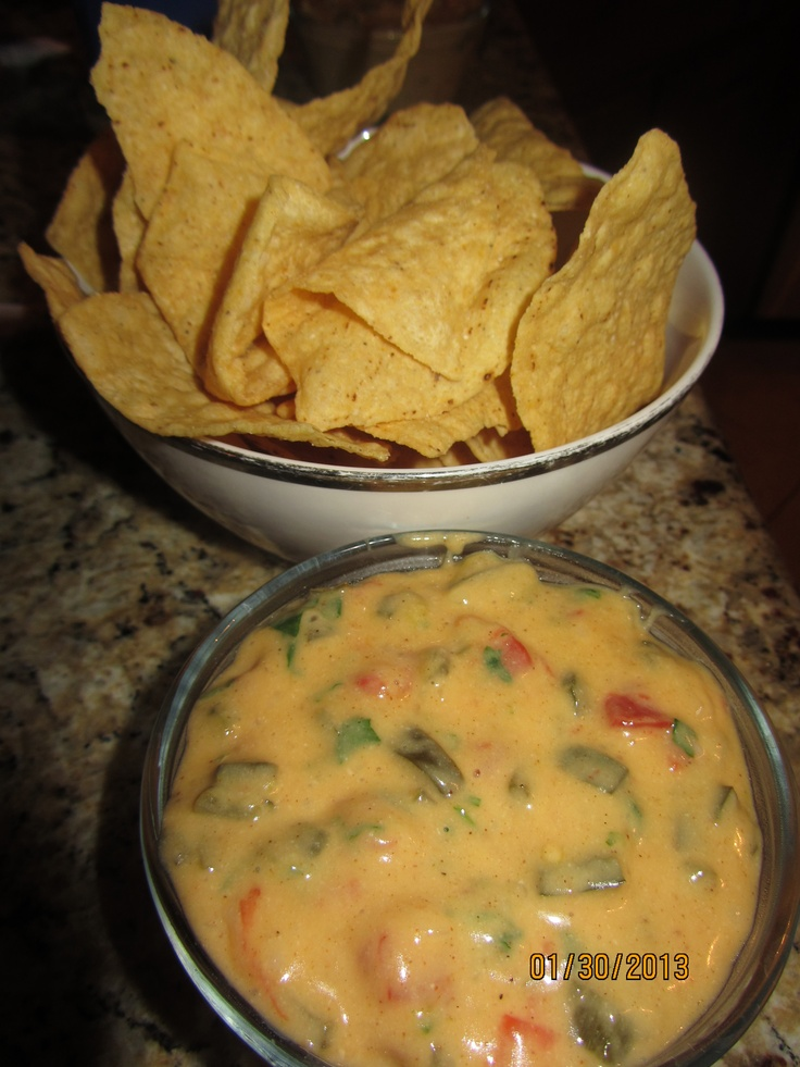 Skinny Queso Dip w/Poblano Peppers - taken from this recipe - http ...