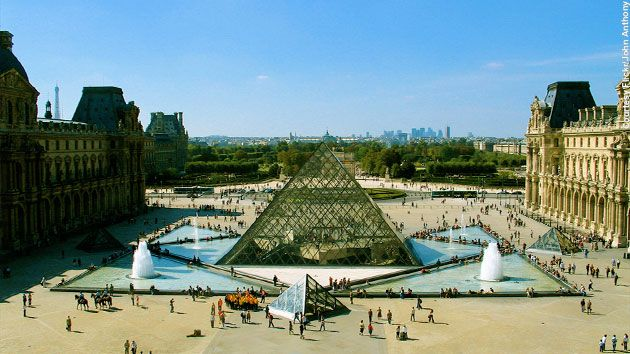 central landmark of Paris  the Mus  233 e du Louvre  Grand Louvre  is    Great Civil Engineering Projects