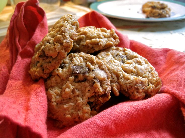 "... give a mouse a cookie"" Brown Butter Oatmeal Chocolate Chip Cookies"