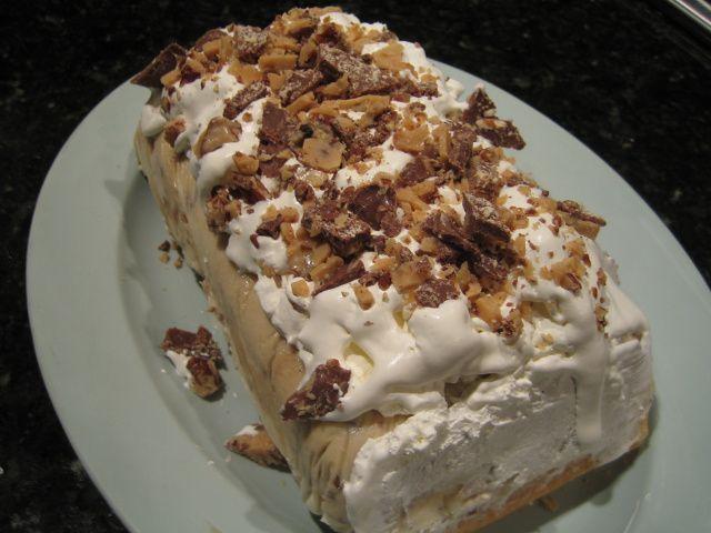 Toffee-Coffee Ice Cream Torte | I Sing In The Kitchen | Pinterest