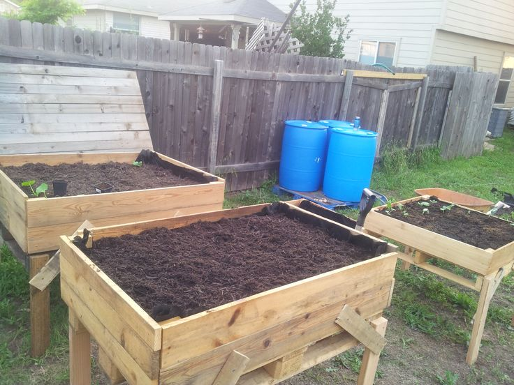 Things to make out of pallets raised beds out of for Things to make out of wooden pallets