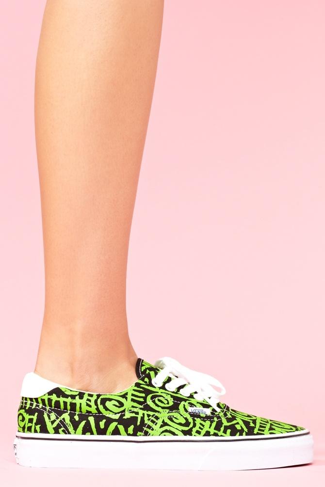 أحذية بنات ..~