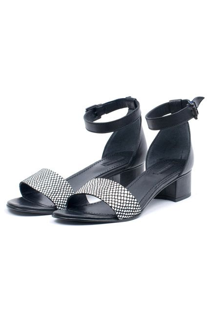 Www refinery29 com low heeled sandals slide14 won hundred kanilla