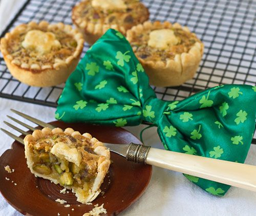 Mini Honey Pistachio Pie | Eat, drink and be merry! | Pinterest