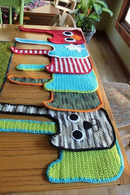 Free crochet Bib Pattern. Knitting and crochet Pinterest