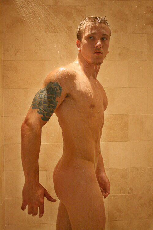 Buff Showering Straighty