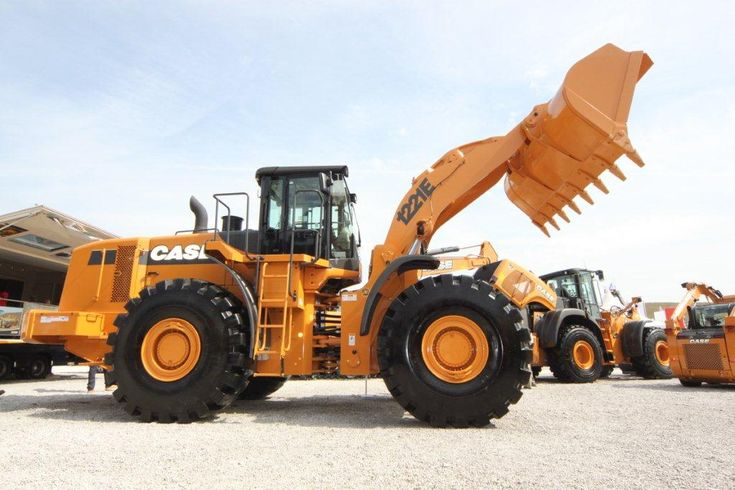 Case wheel loader 1221e heavy equipment pinterest for Avis e case construction