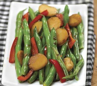 Recipe - Green Beans with Bell Peppers and Water Chestnuts
