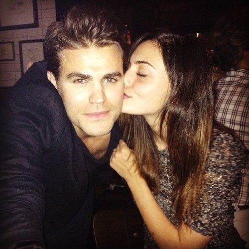 Paul Wesley & Phoebe Tonkin | Celebrities and style (Part ...